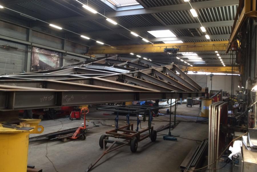 In de fabriek in Belgie wordt de overkapping tussen HSE en stationshal al voorbereid